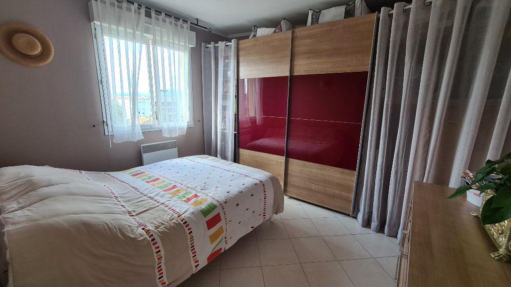 Appartement à vendre 3 66m2 à La Seyne-sur-Mer vignette-9