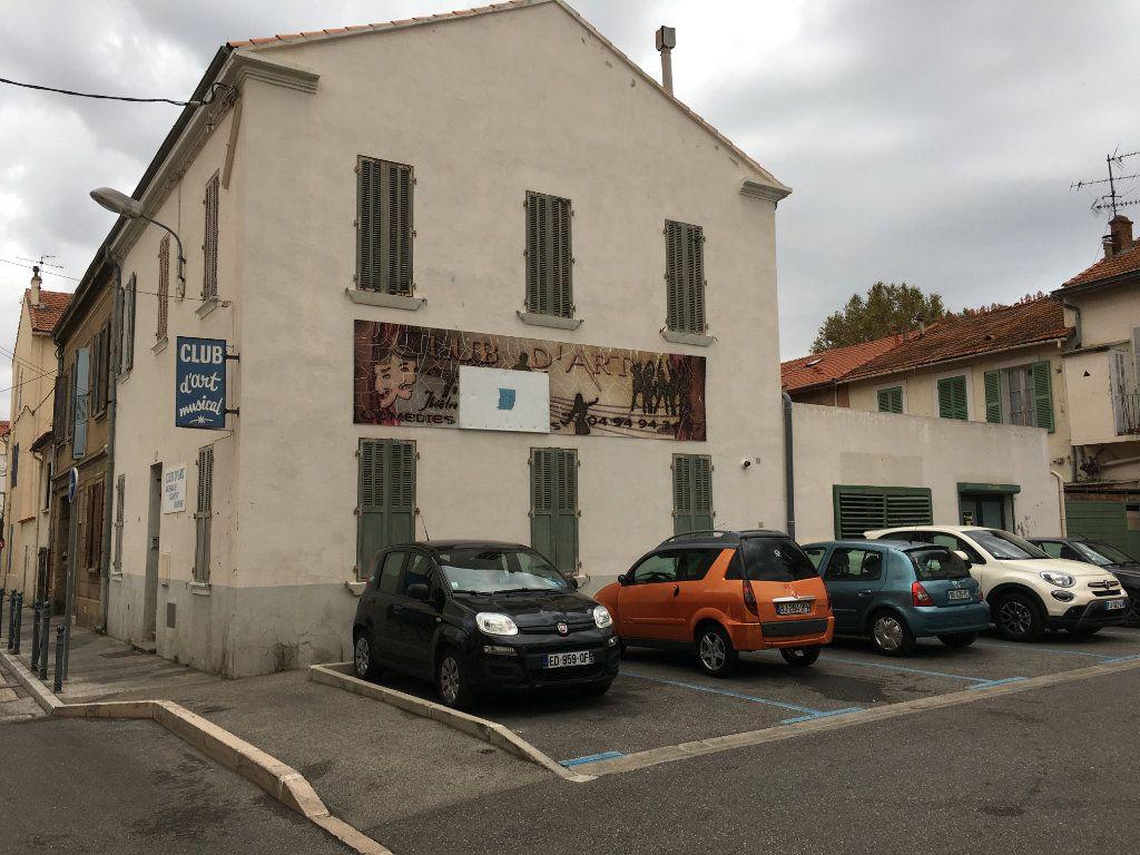 Maison à vendre 10 210m2 à La Seyne-sur-Mer vignette-1