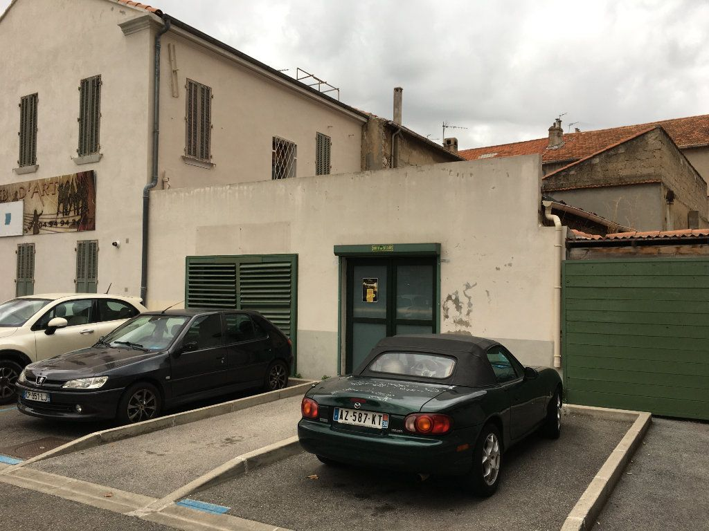 Maison à vendre 10 210m2 à La Seyne-sur-Mer vignette-2