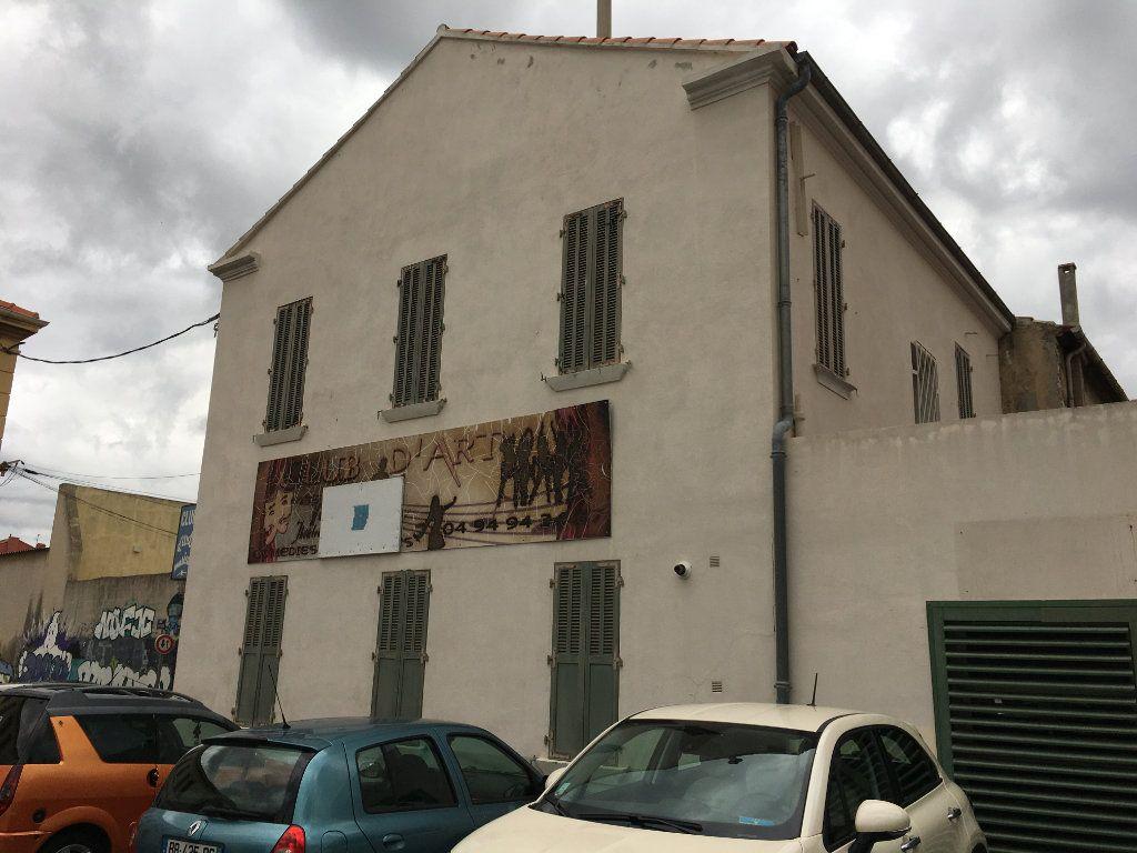 Maison à vendre 10 210m2 à La Seyne-sur-Mer vignette-3