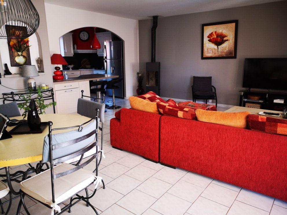 Maison à vendre 6 137m2 à Sanary-sur-Mer vignette-3
