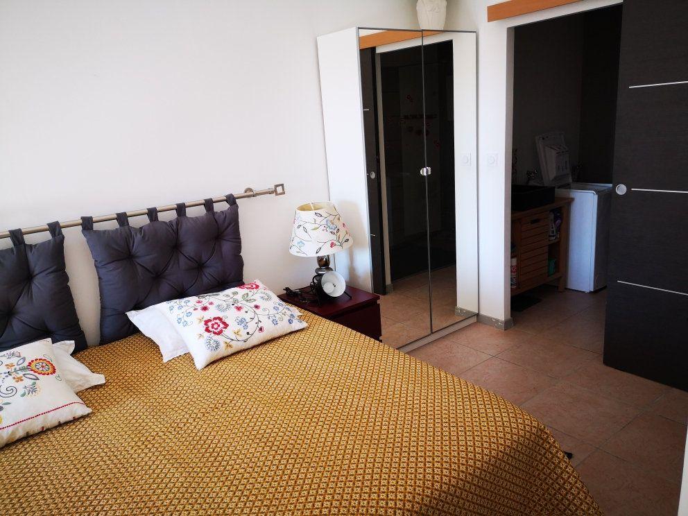 Maison à vendre 6 137m2 à Sanary-sur-Mer vignette-4
