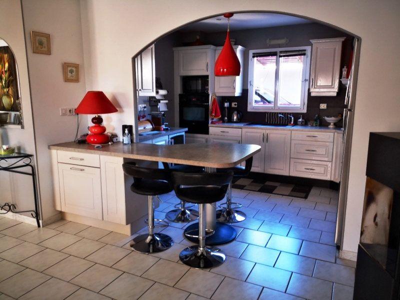 Maison à vendre 6 137m2 à Sanary-sur-Mer vignette-5