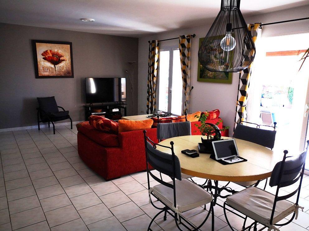 Maison à vendre 6 137m2 à Sanary-sur-Mer vignette-9