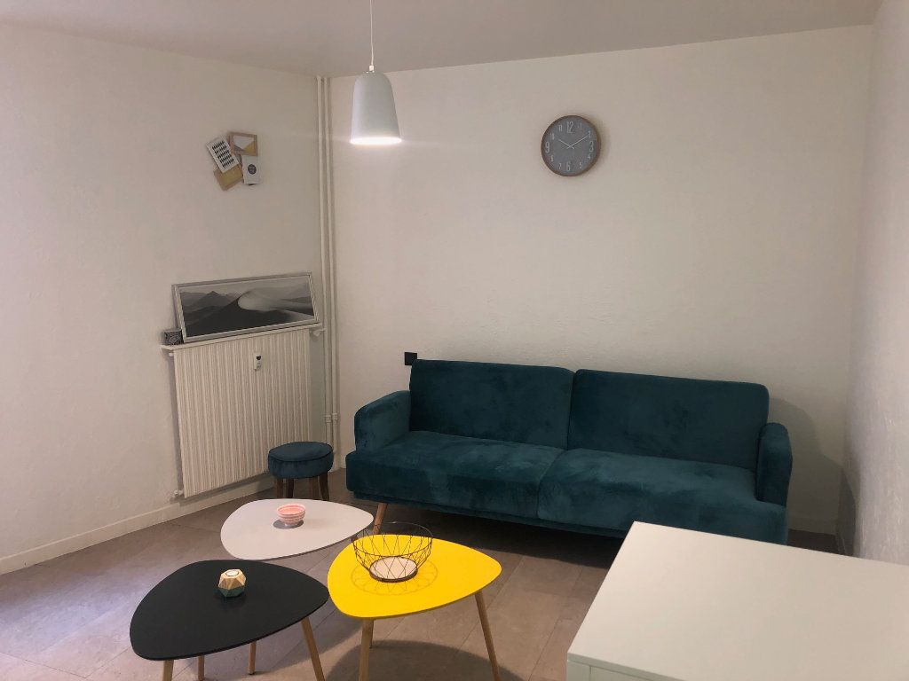 Appartement à vendre 1 27m2 à Toulon vignette-1