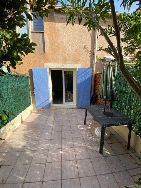 Appartement à louer 2 33m2 à La Seyne-sur-Mer vignette-2
