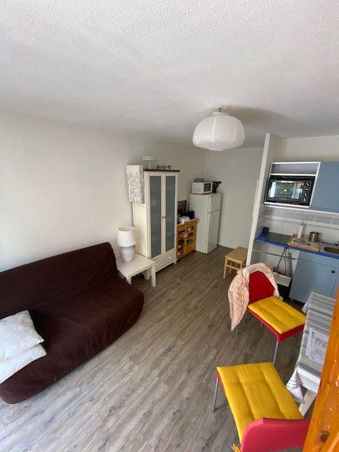 Appartement à louer 2 33m2 à La Seyne-sur-Mer vignette-3