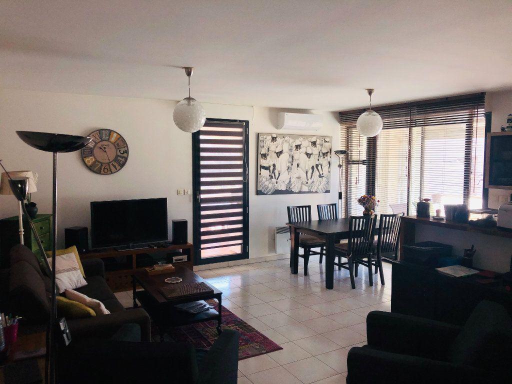Appartement à vendre 3 70m2 à La Seyne-sur-Mer vignette-1