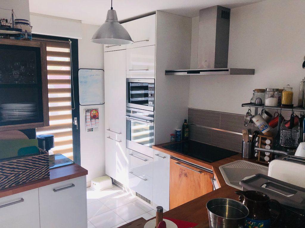 Appartement à vendre 3 70m2 à La Seyne-sur-Mer vignette-2