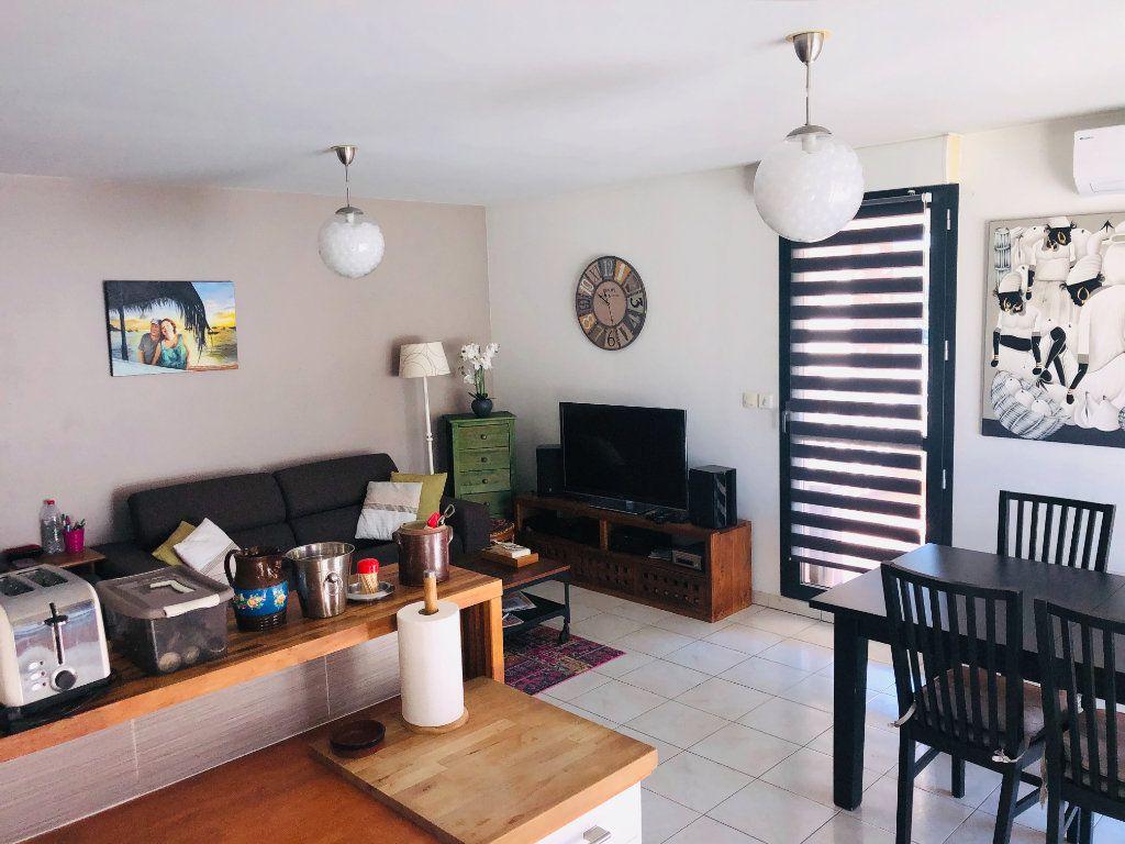 Appartement à vendre 3 70m2 à La Seyne-sur-Mer vignette-3