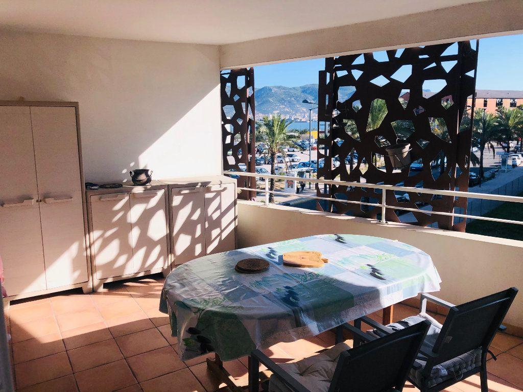 Appartement à vendre 3 70m2 à La Seyne-sur-Mer vignette-4