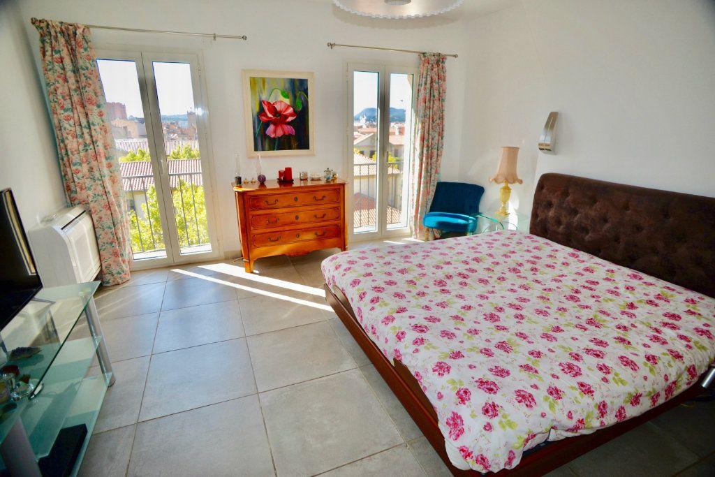 Appartement à vendre 5 139m2 à Toulon vignette-3