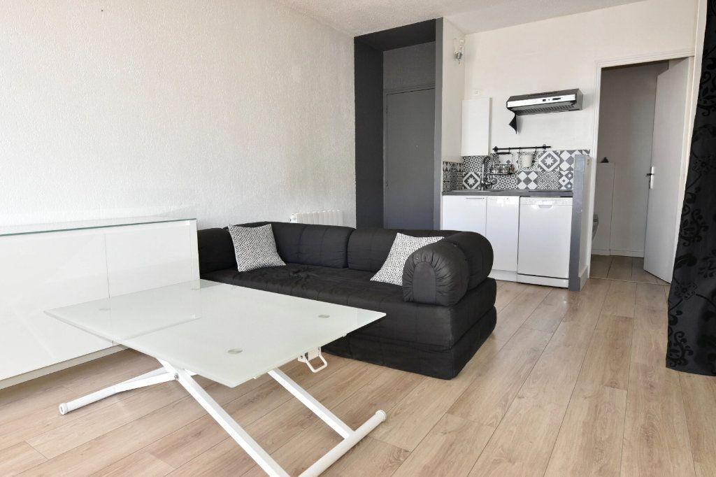 Appartement à vendre 1 23.8m2 à Sanary-sur-Mer vignette-1