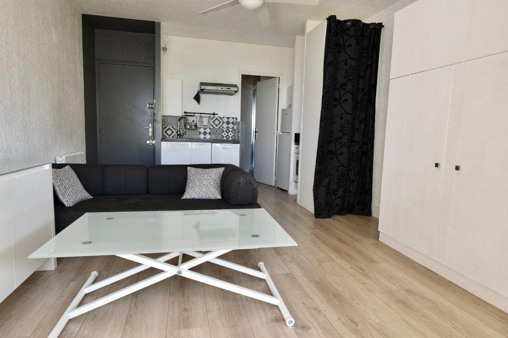 Appartement à vendre 1 23.8m2 à Sanary-sur-Mer vignette-2