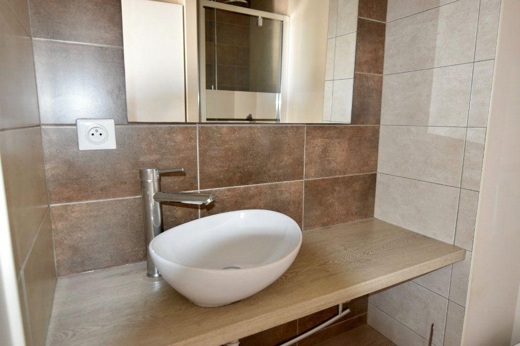 Appartement à vendre 1 23.8m2 à Sanary-sur-Mer vignette-4
