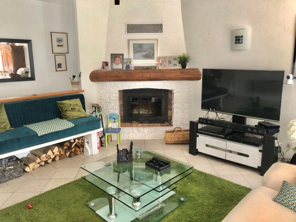 Appartement à vendre 4 122m2 à La Seyne-sur-Mer vignette-7
