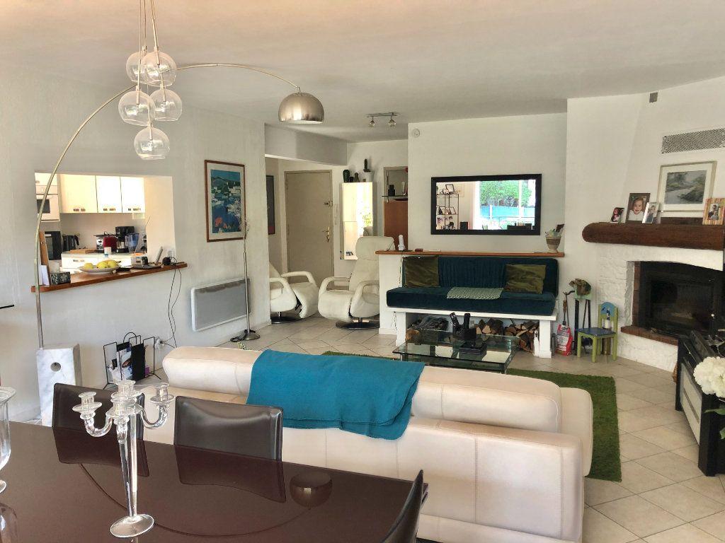 Appartement à vendre 4 122m2 à La Seyne-sur-Mer vignette-8