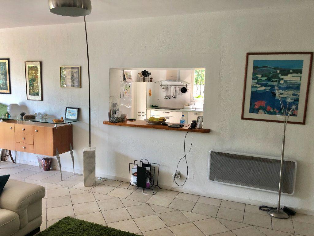 Appartement à vendre 4 122m2 à La Seyne-sur-Mer vignette-9