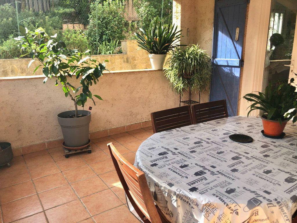 Appartement à vendre 4 122m2 à La Seyne-sur-Mer vignette-12