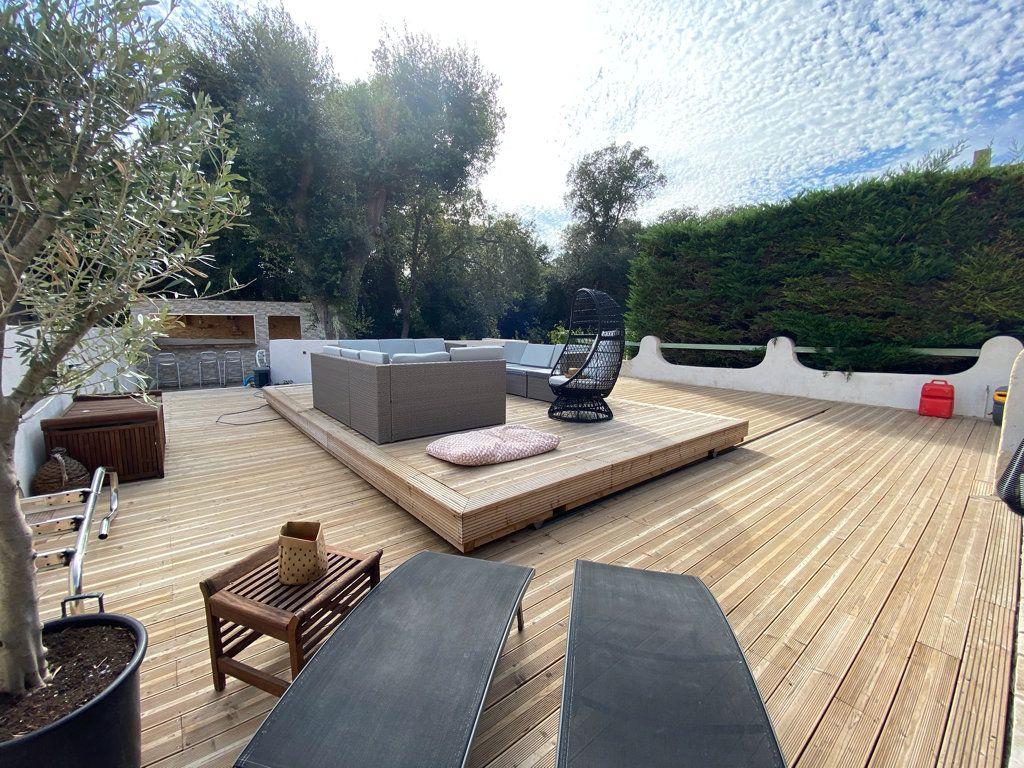 Maison à vendre 5 100m2 à La Seyne-sur-Mer vignette-4