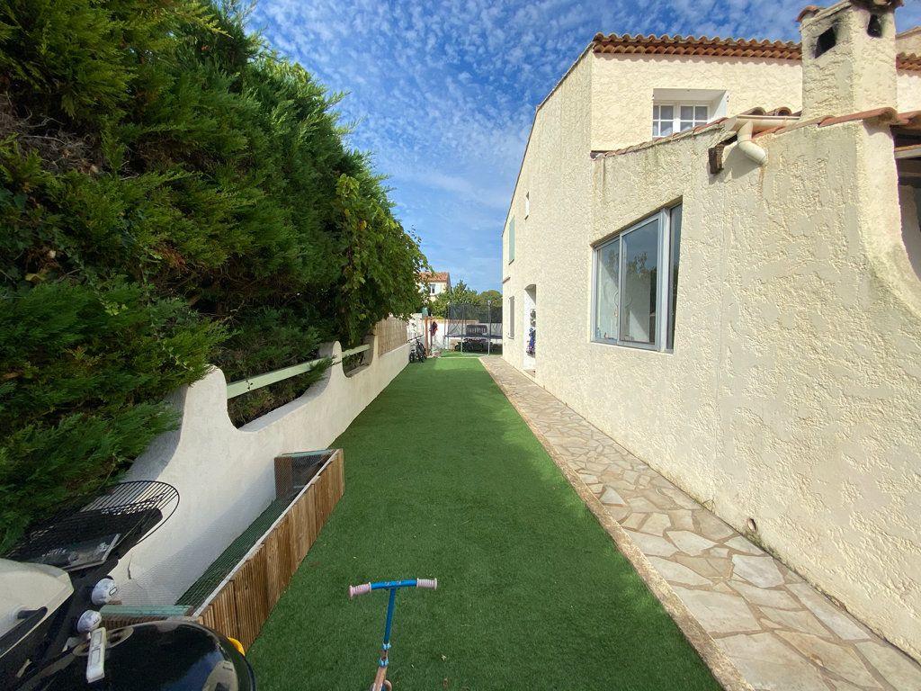 Maison à vendre 5 100m2 à La Seyne-sur-Mer vignette-5