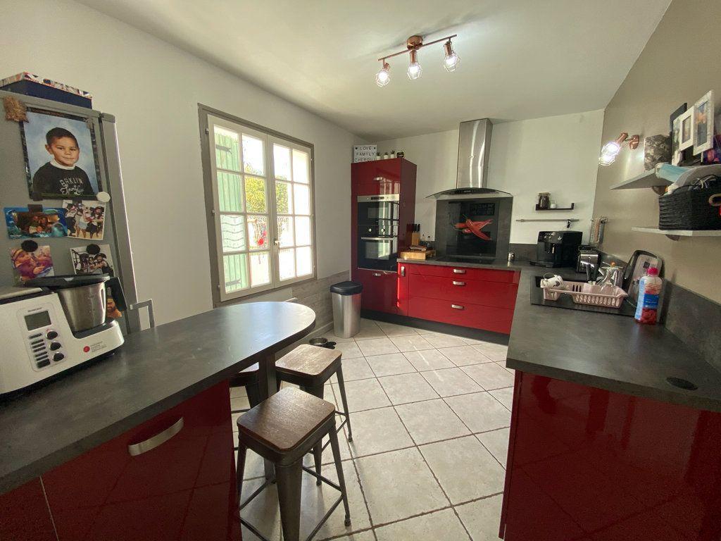 Maison à vendre 5 100m2 à La Seyne-sur-Mer vignette-8