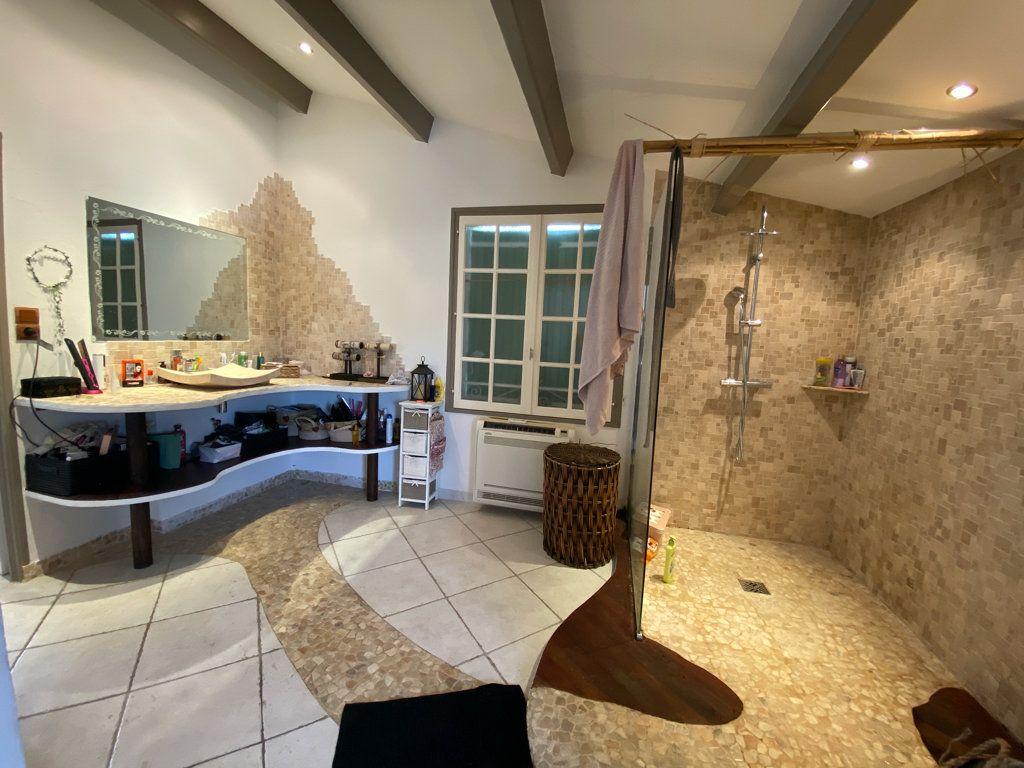 Maison à vendre 5 100m2 à La Seyne-sur-Mer vignette-10
