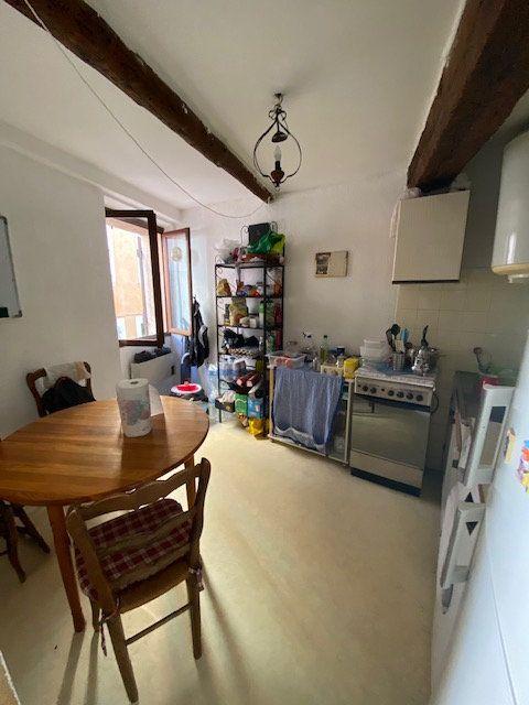 Appartement à louer 2 30m2 à La Seyne-sur-Mer vignette-2