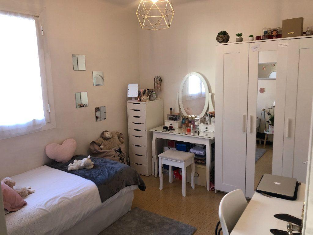 Appartement à vendre 4 63m2 à Toulon vignette-3