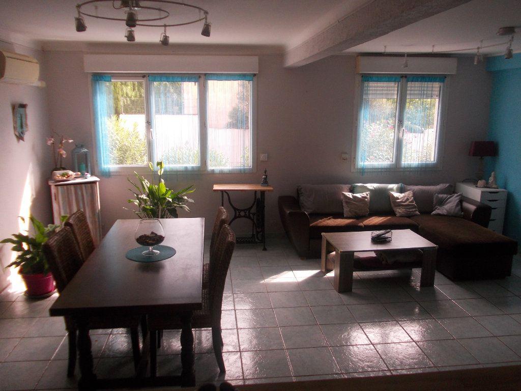 Appartement à vendre 4 68m2 à La Seyne-sur-Mer vignette-1