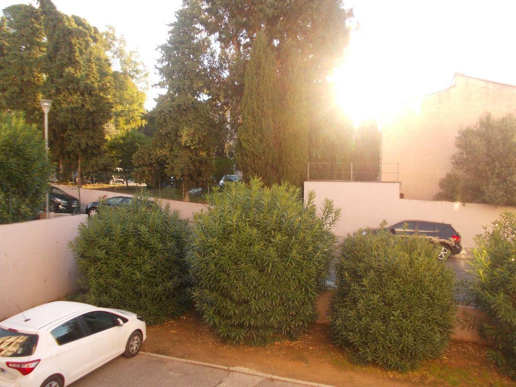 Appartement à vendre 4 68m2 à La Seyne-sur-Mer vignette-3