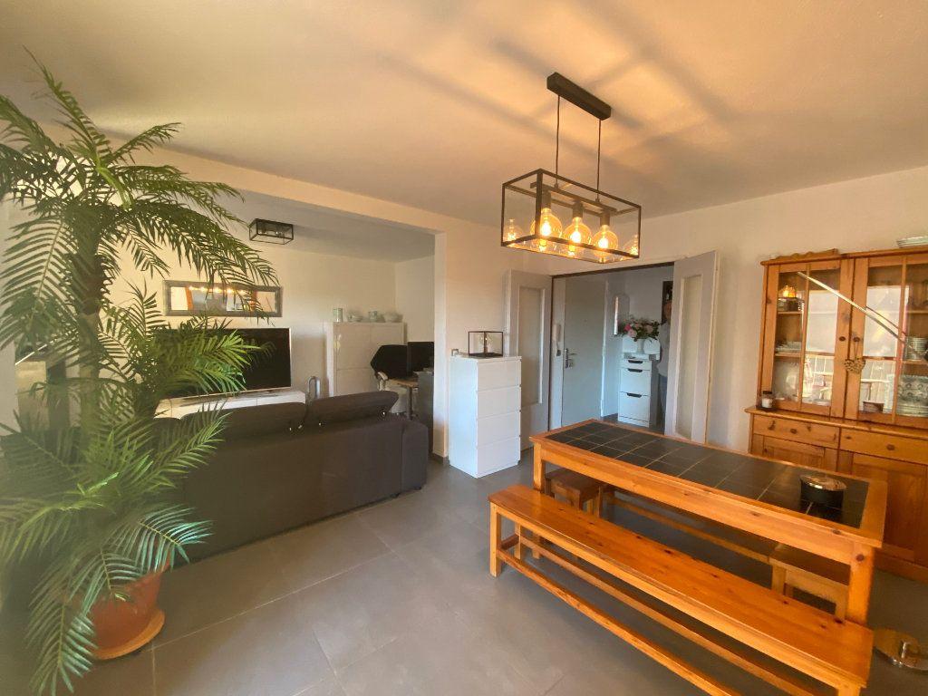 Appartement à vendre 3 77m2 à Six-Fours-les-Plages vignette-1