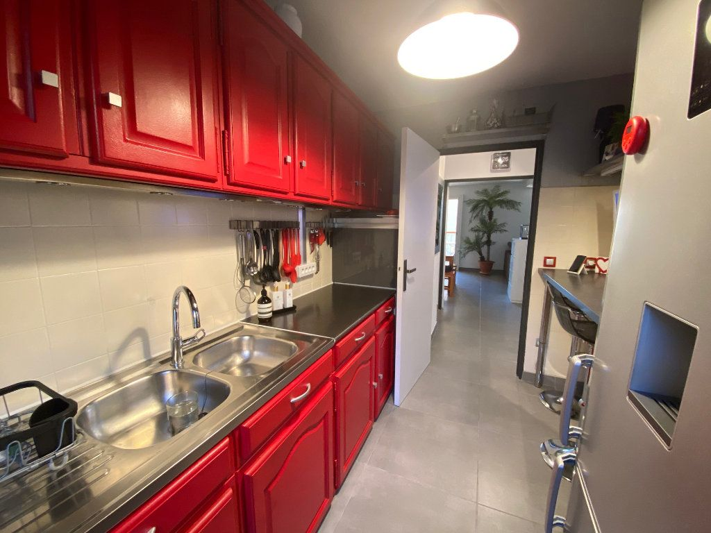 Appartement à vendre 3 77m2 à Six-Fours-les-Plages vignette-3