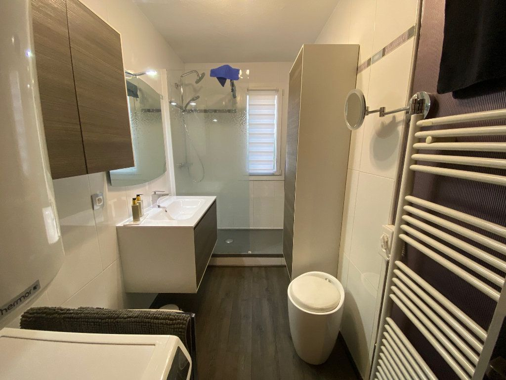 Appartement à vendre 3 77m2 à Six-Fours-les-Plages vignette-4