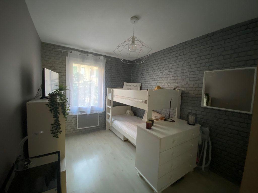 Appartement à vendre 3 77m2 à Six-Fours-les-Plages vignette-6