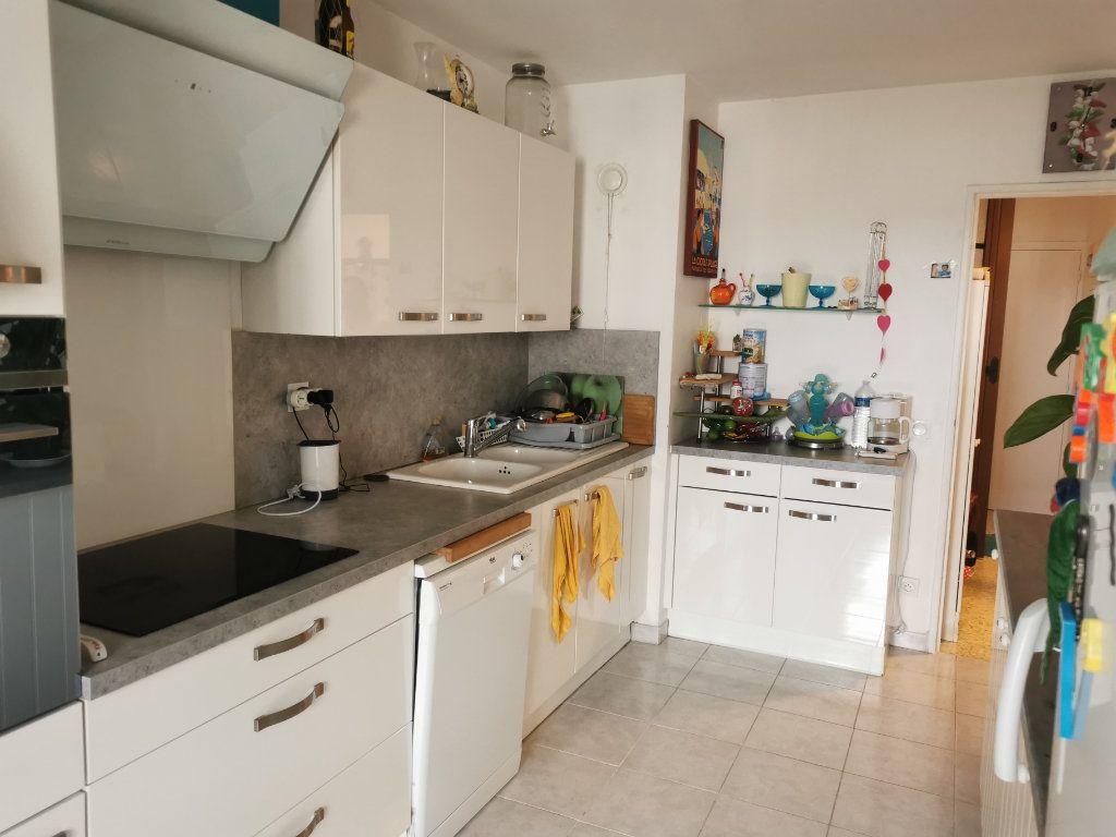 Appartement à vendre 4 88m2 à La Seyne-sur-Mer vignette-3