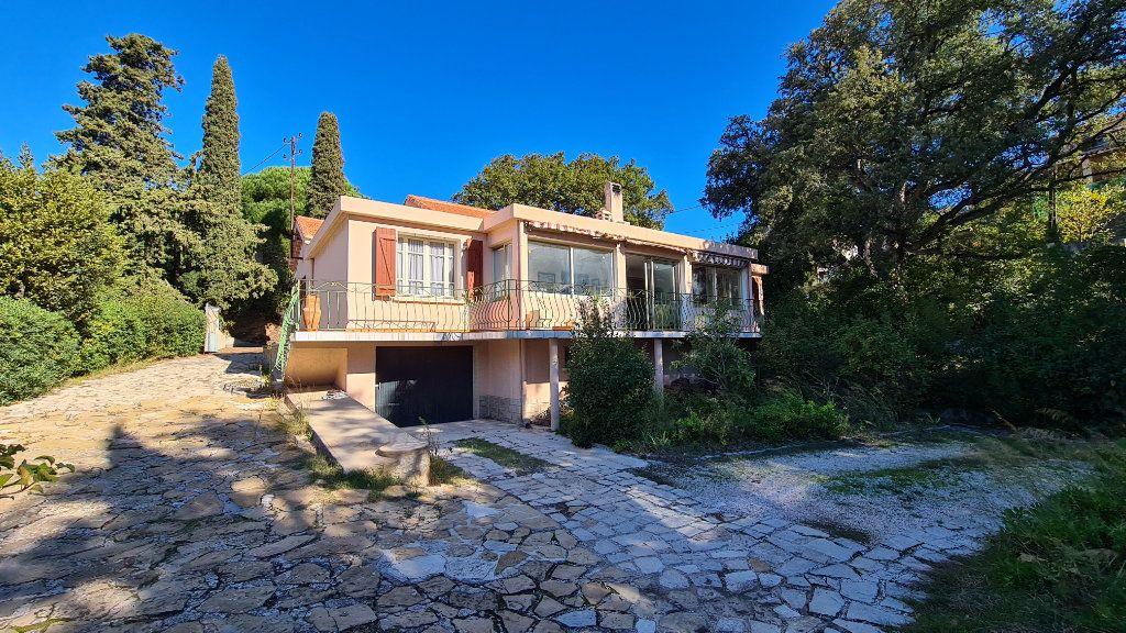 Maison à vendre 5 133m2 à La Seyne-sur-Mer vignette-1