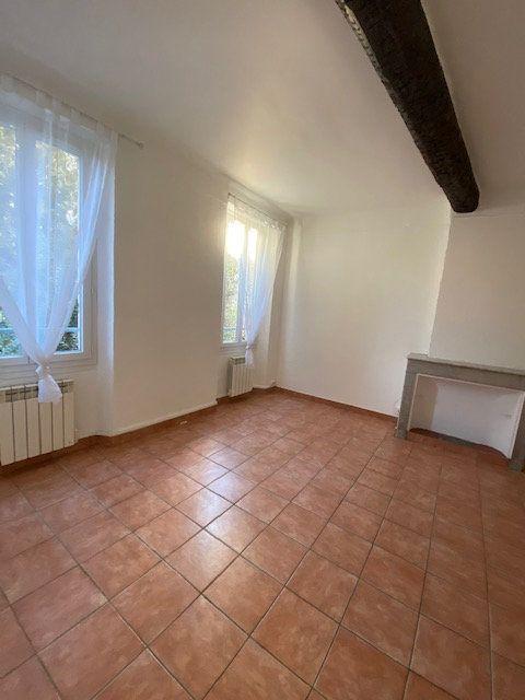 Appartement à louer 2 35m2 à La Seyne-sur-Mer vignette-1
