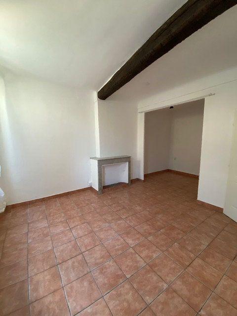 Appartement à louer 2 35m2 à La Seyne-sur-Mer vignette-2