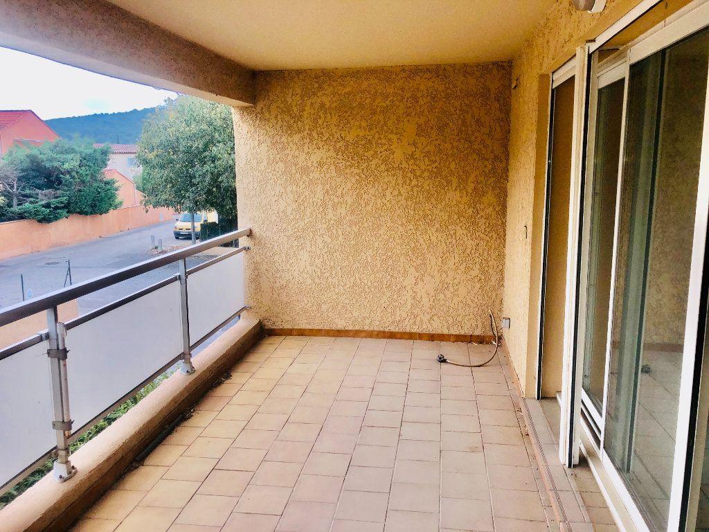Appartement à vendre 3 61m2 à Sanary-sur-Mer vignette-2