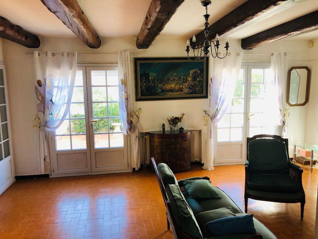 Maison à vendre 7 180m2 à Six-Fours-les-Plages vignette-3