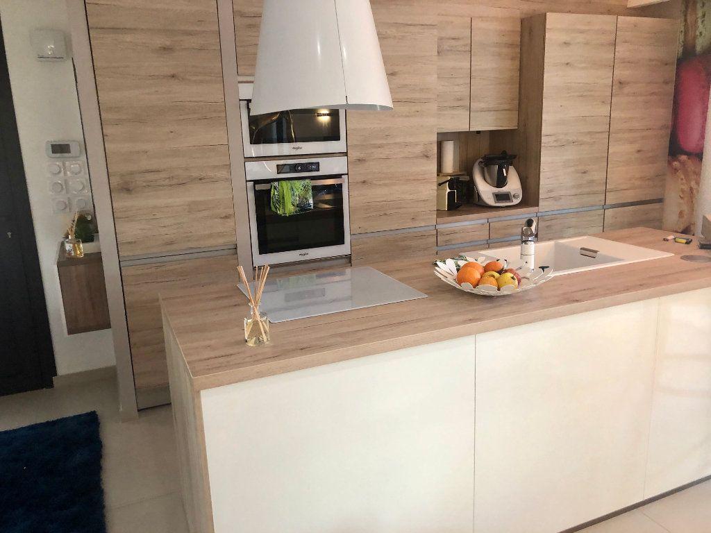 Appartement à vendre 3 63m2 à Sanary-sur-Mer vignette-4