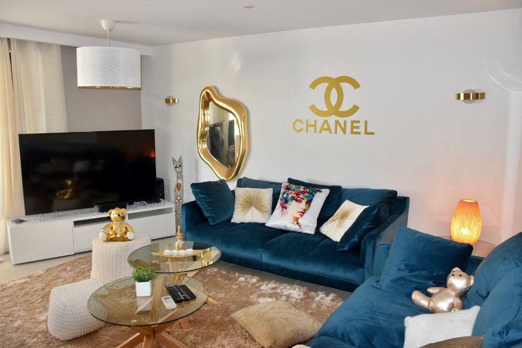Appartement à vendre 3 63m2 à Sanary-sur-Mer vignette-5
