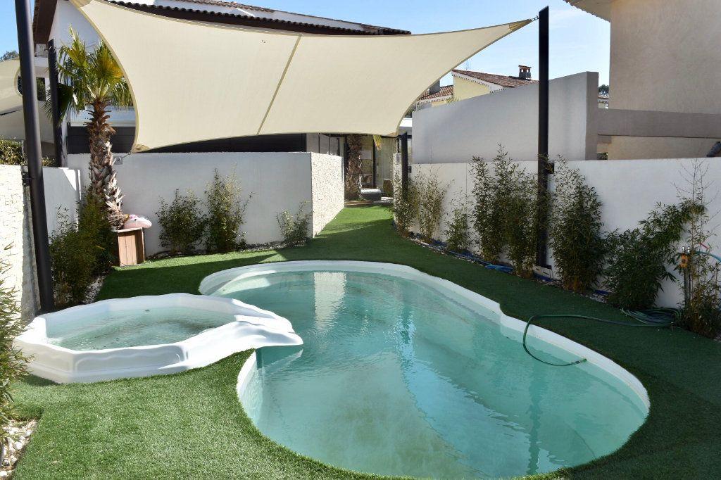 Appartement à vendre 3 63m2 à Sanary-sur-Mer vignette-6