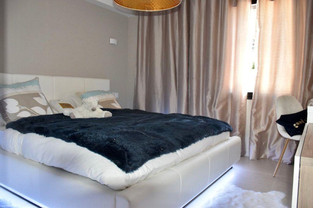 Appartement à vendre 3 63m2 à Sanary-sur-Mer vignette-7
