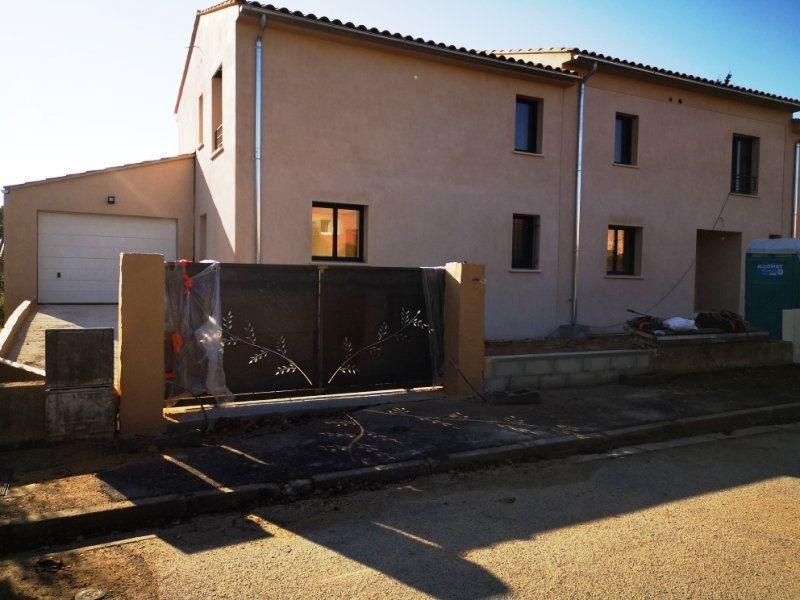 Maison à vendre 5 93m2 à Sanary-sur-Mer vignette-1