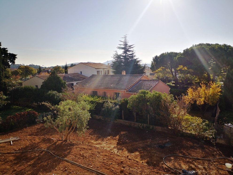 Maison à vendre 5 93m2 à Sanary-sur-Mer vignette-4