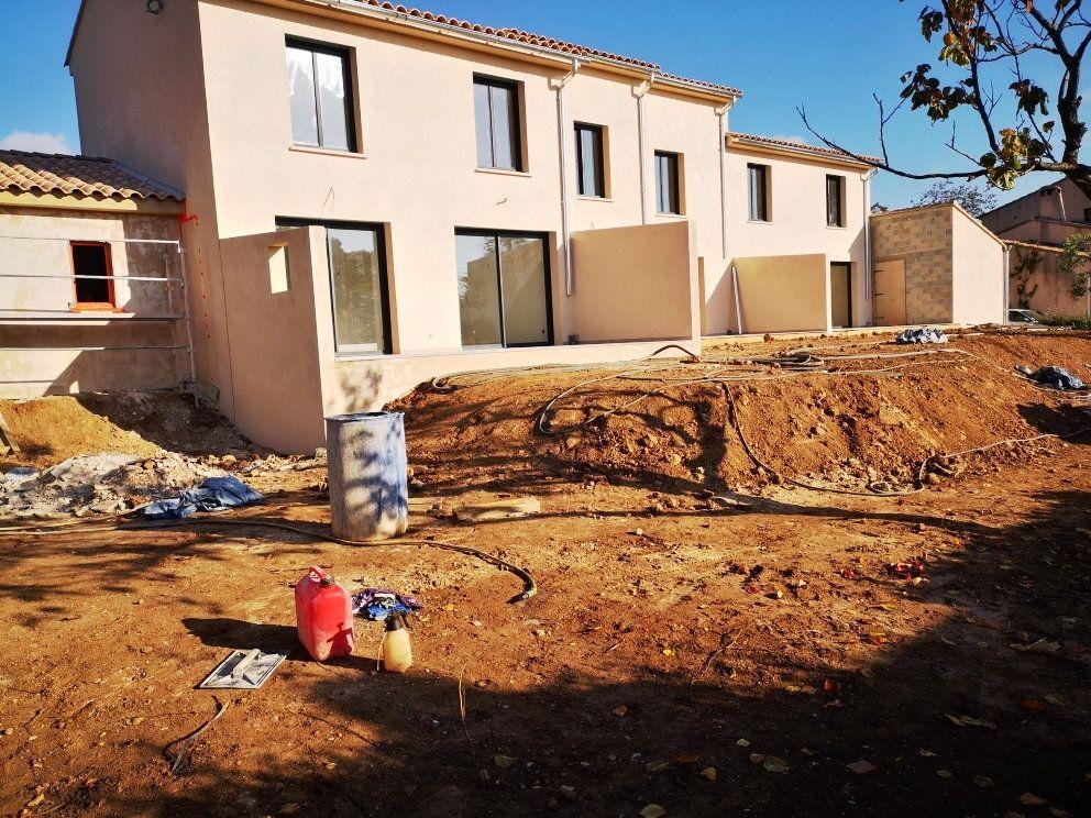 Maison à vendre 5 93m2 à Sanary-sur-Mer vignette-5