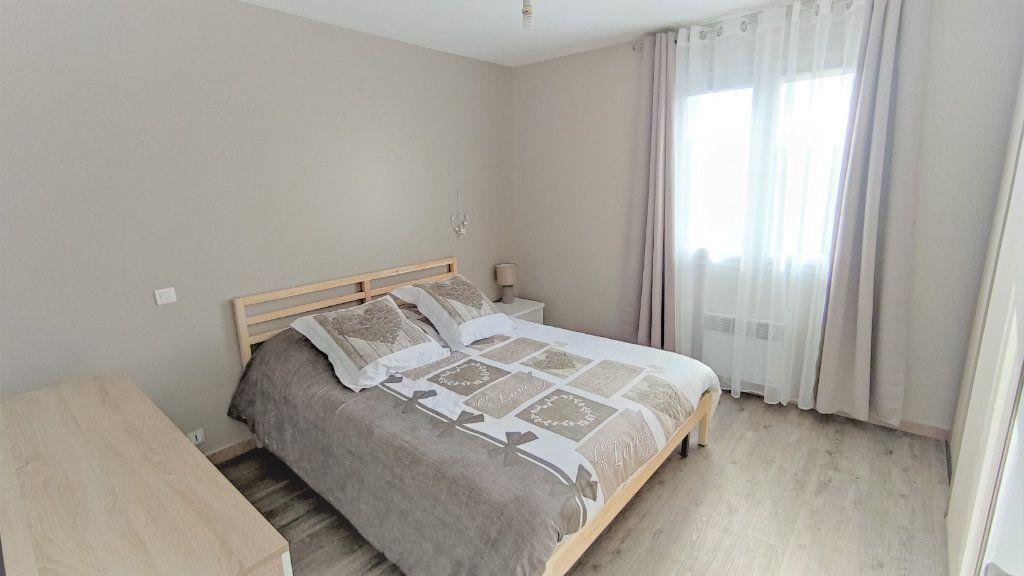 Appartement à vendre 4 80.8m2 à Six-Fours-les-Plages vignette-4
