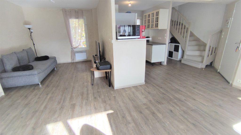 Appartement à vendre 4 80.8m2 à Six-Fours-les-Plages vignette-5